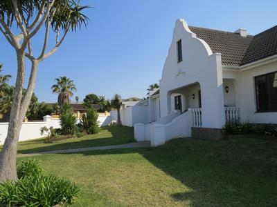 Property For Sale in Bonza Bay, East London